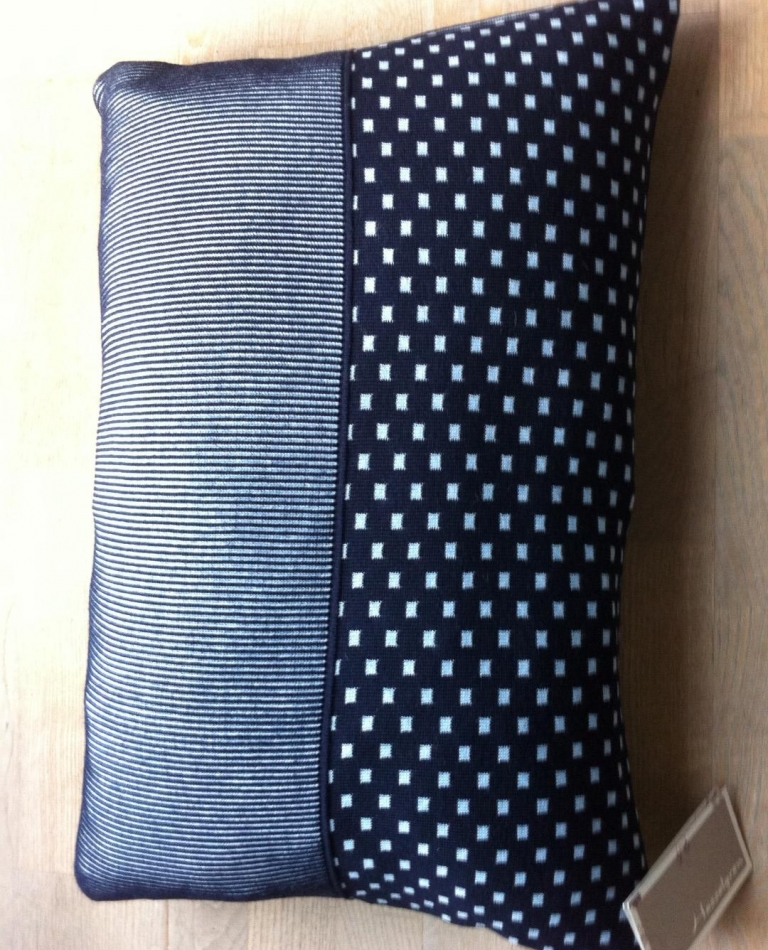 Pude - 50x70 - Black / Jeans blue